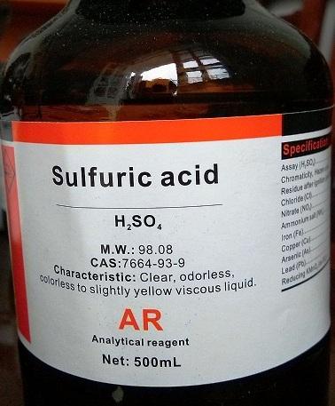 Axit sulfuric (a-xít sun-phu-rích)